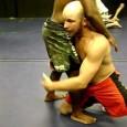 Détails technique pour réaliser un double leg takedown en MMA (combat libre), lutte ou jiu-jitsu brésilien.